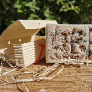 Mydło/peeling żywokostowe na mleku kozim – prosto z Podlasia
